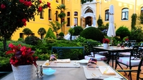 Image_207_four_seasons_istanbul_sultanahmet-seasons_restaurant_outdoor_terrace