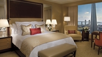 Image_207_ritz-carlton_deluxe_lake_view_room