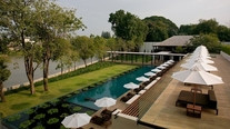 Image_207_chedi_chiang_mai-pool_and_sunbeds