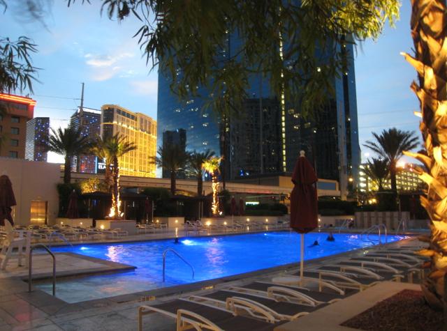 Pool at The Signature at MGM Grand, Las Vegas
