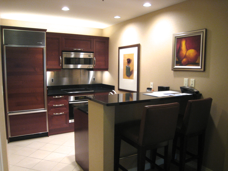 the signature at mgm grand review las vegas travelsort. Black Bedroom Furniture Sets. Home Design Ideas