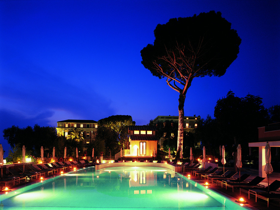 Best luxury hotels of 2014 top 10 most popular travelsort for Hotel luxury amalfi