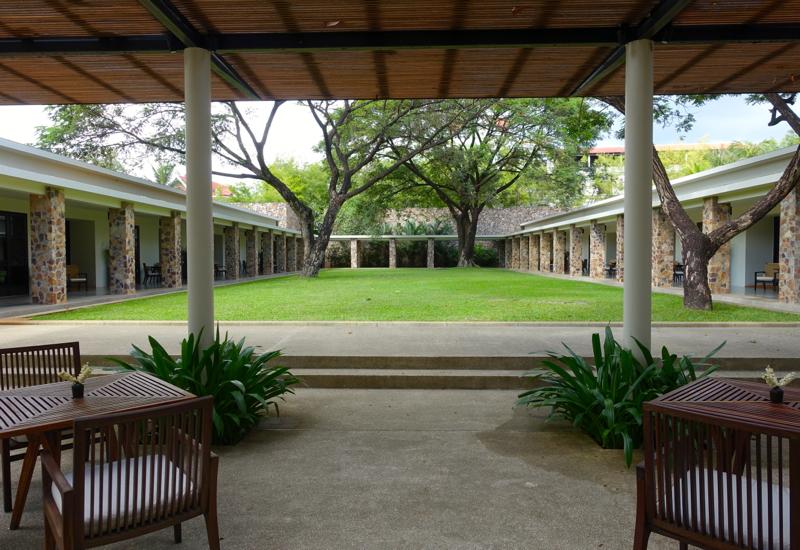 Amansara Pool Suites Courtyard
