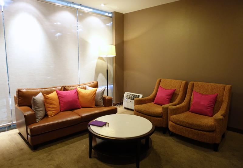 Thai Royal First Lounge Bangkok Review - Seating