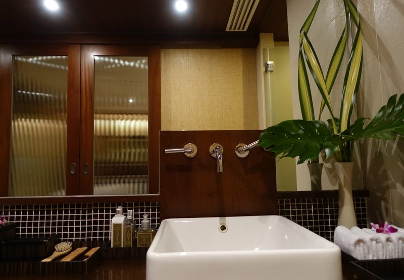 Thai Royal Orchid Spa Review-Treatment Room Changing Room