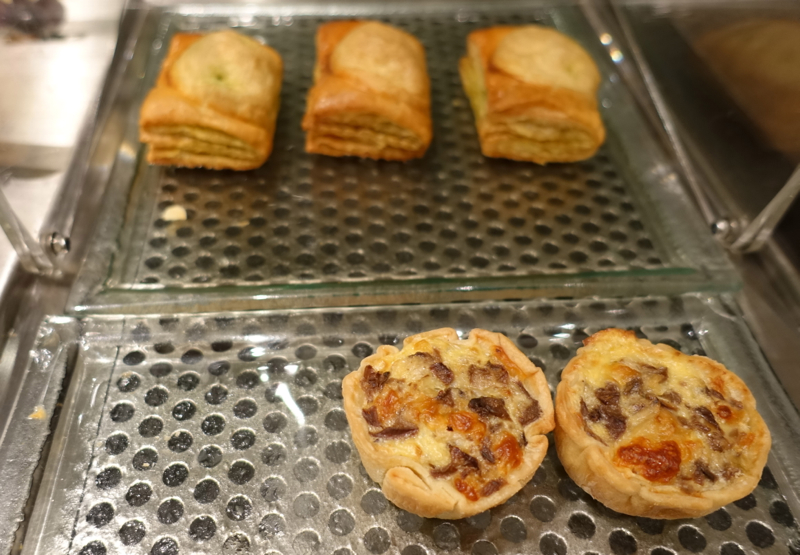 Thai Royal First Lounge Bangkok Review - Quiche and Pastries