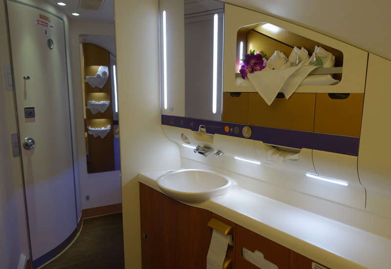 Thai airways a380 first class review travelsort for First bathrooms
