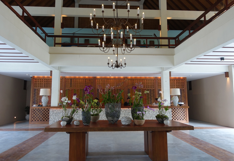Four Seasons Maldives at Landaa Giraavaru Reception and Lobby