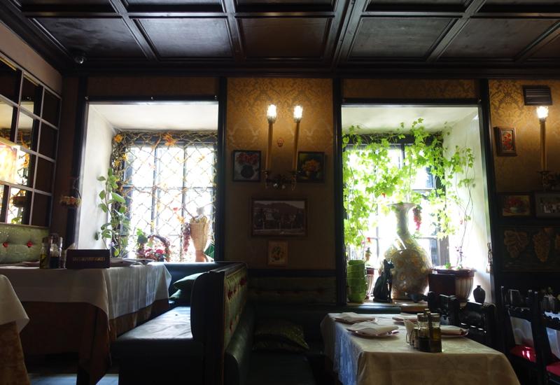 review of cat cafe great georgian food in st petersburg