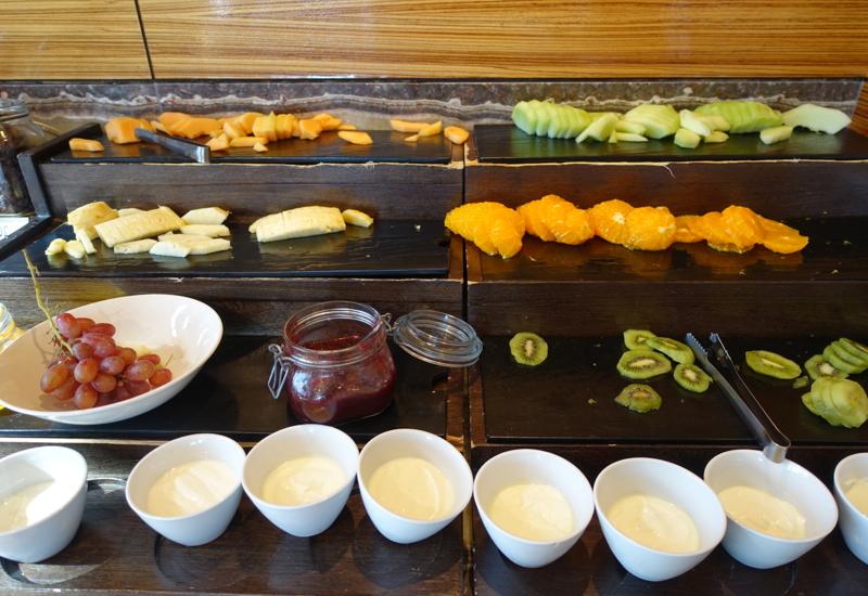 Fresh Fruit and Yogurt, Sofitel Auckland Breakfast