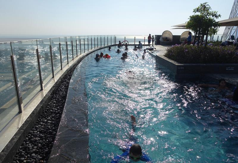 Review hyatt capital gate abu dhabi travelsort - Hotels in abu dhabi with swimming pool ...