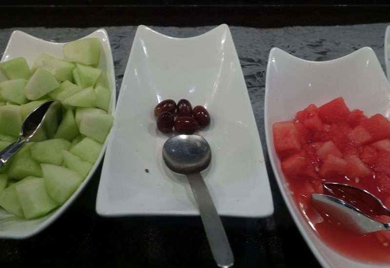 Watermelon and Cantaloupe, AMEX Centurion Lounge San Francisco Review
