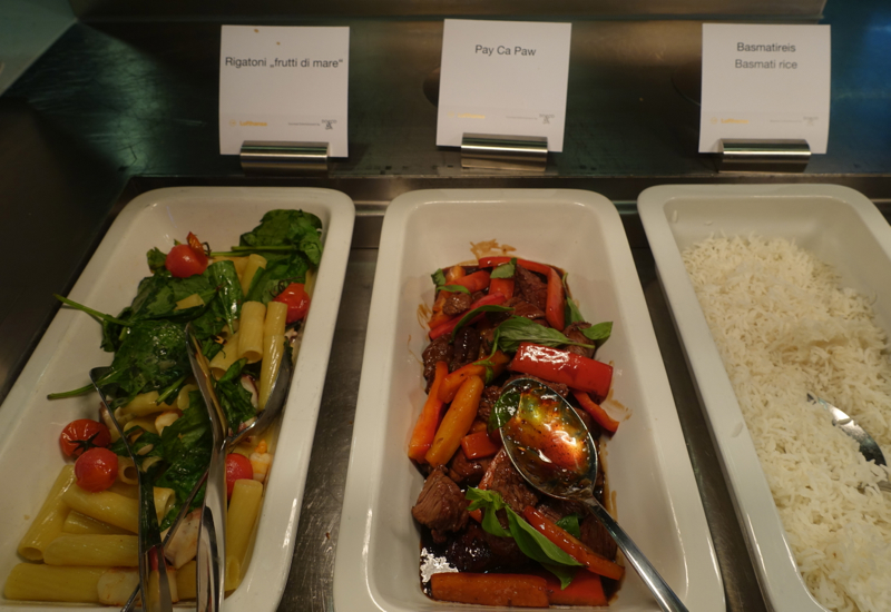 Pasta and Thai Beef, Lufthansa First Class Terminal Review
