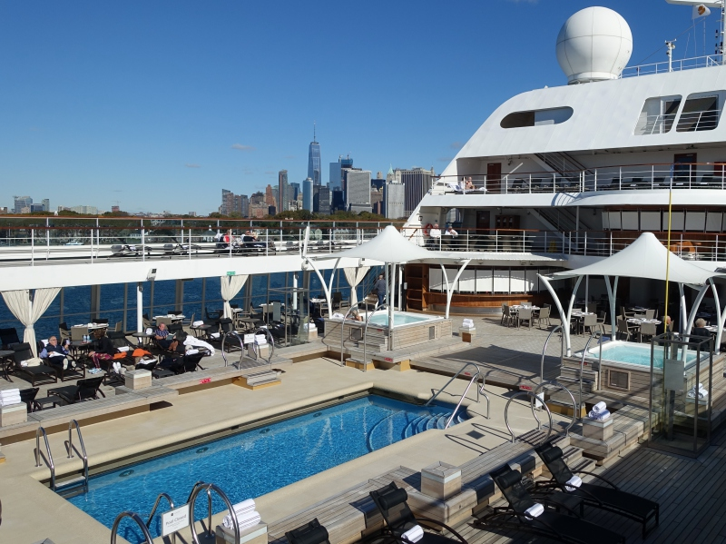 Seabourn Quest Main Pool and Jacuzzis