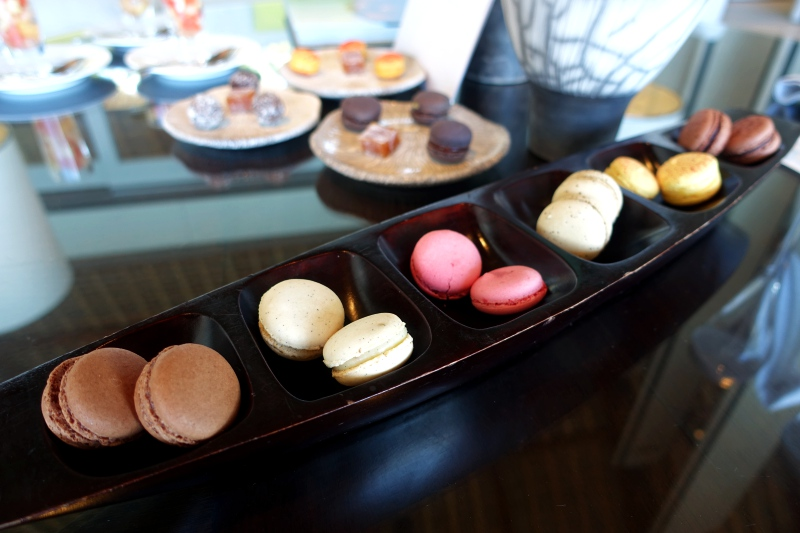 Macarons Welcome Amenity, Cheval Blanc Randheli Review
