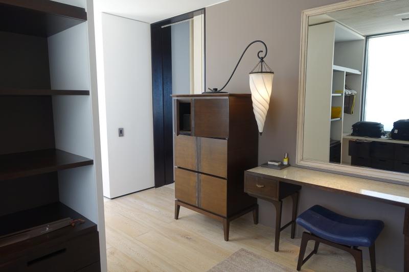 Dressing Room Vanity, Cheval Blanc Randheli Review
