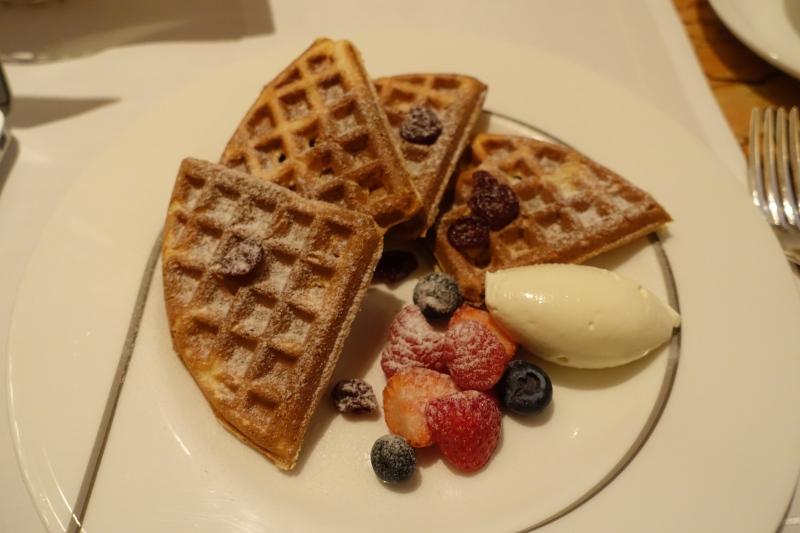 Waffles, Breakfast at The Peninsula Tokyo