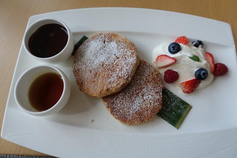 Banana Hazelnut Pancakes with Chocolate Sauce, Aman Tokyo Review