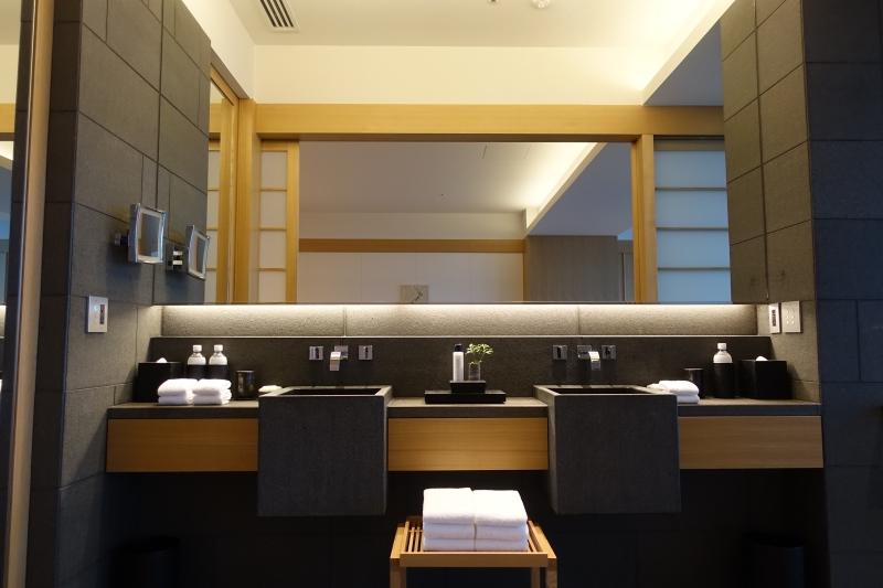 Dual Vanities, Aman Tokyo Review