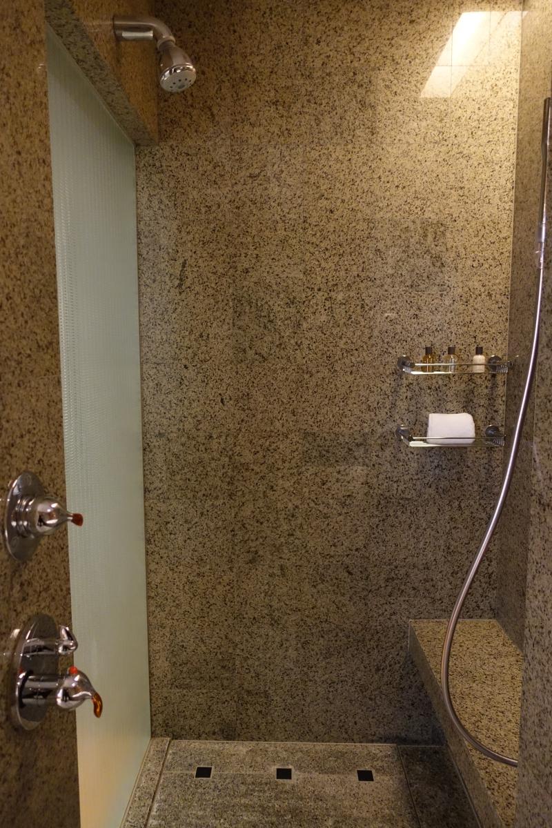 Shower, Mandarin Oriental Tokyo Review
