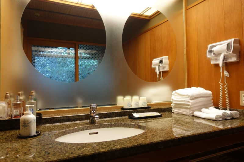 Sink and Vanity, Hatsune Room, Nishimuraya Honkan
