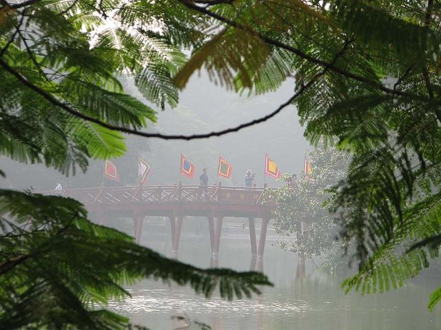 Lake Hoan Kiem, Vietnam