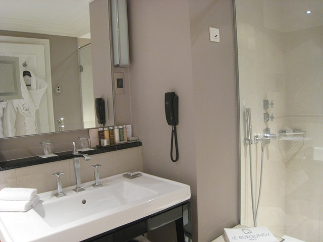 Shower, Deluxe Room, Le Burgundy Hotel, Paris