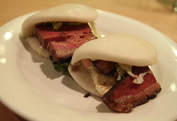 Momofuku Noodle Bar-NYC Restaurant Review-brisket buns