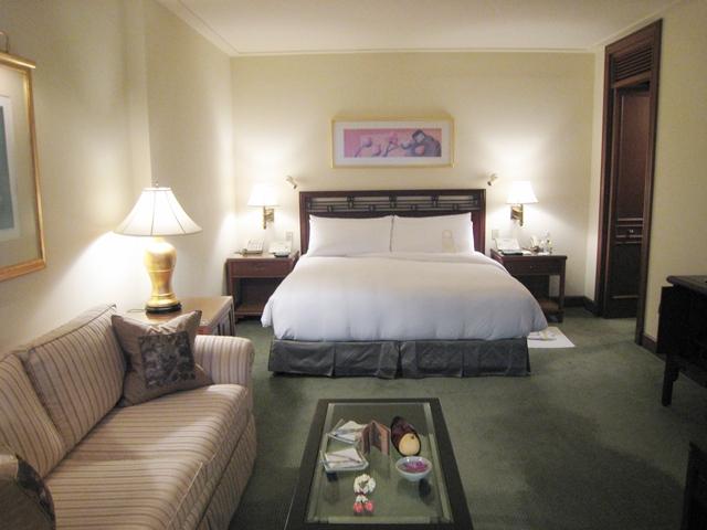Peninsula Bangkok Hotel Review