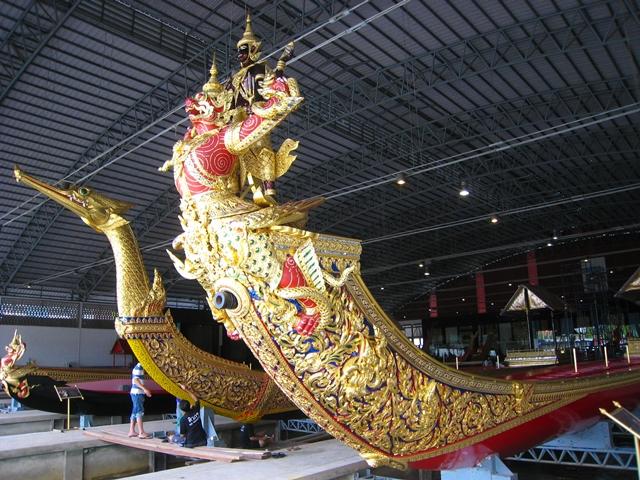 Royal Barge Suphannahong and Narai Song Subhan HM Rama IX