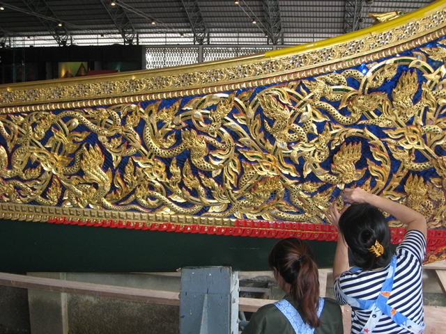 Royal Barges Museum Bangkok: applying glass jewels and gold leaf