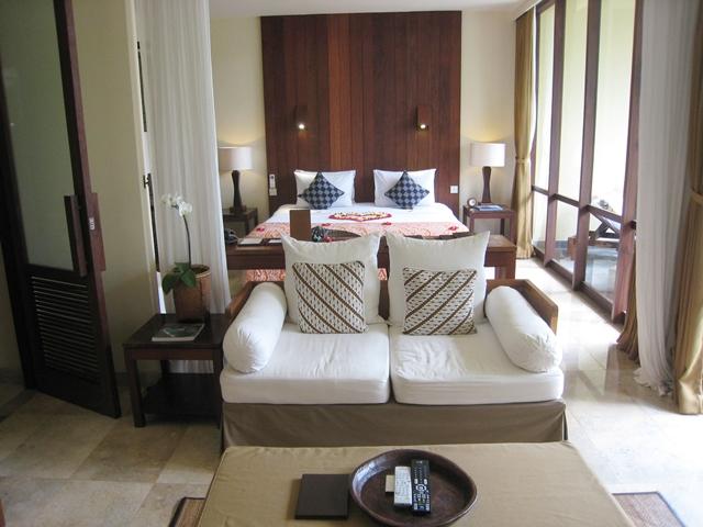 Komaneka at Bisma Hotel Review - bed