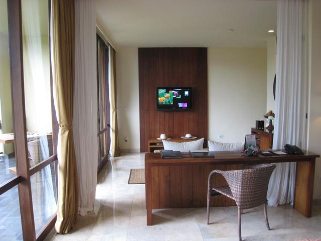 Komaneka at Bisma Hotel Review - spacious Bisma Suite