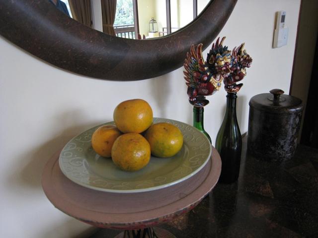 Komaneka at Bisma Hotel Review - fruit amenity