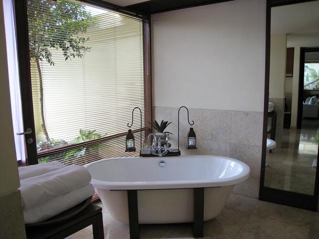 Komaneka at Bisma Review -One Bedroom Pool Villa Bathtub
