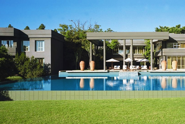 Best johannesburg 5 star luxury hotels travelsort for Boutique 5 star hotels