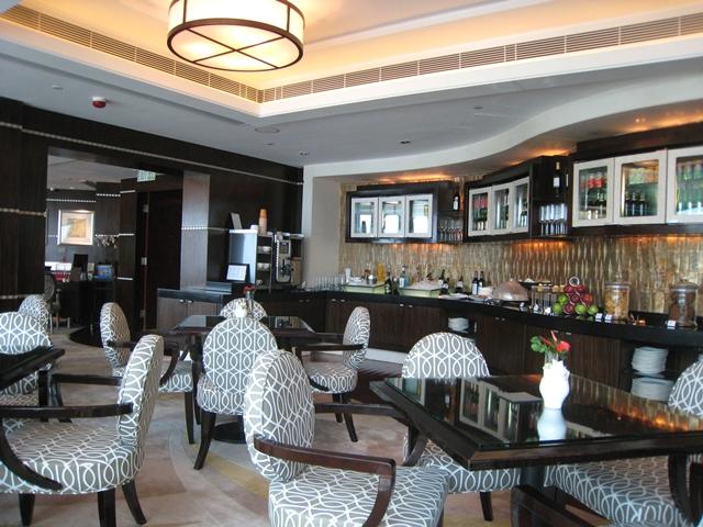 Langham Place Mongkok Review - Club Lounge
