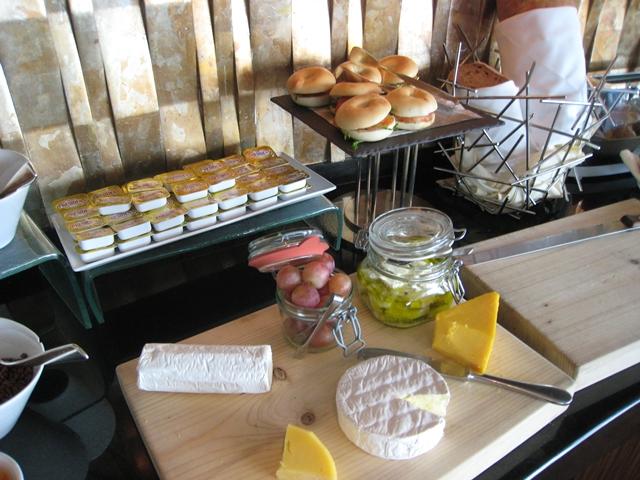 Langham Place Mongkok Review - Club Lounge Breakfast Buffet