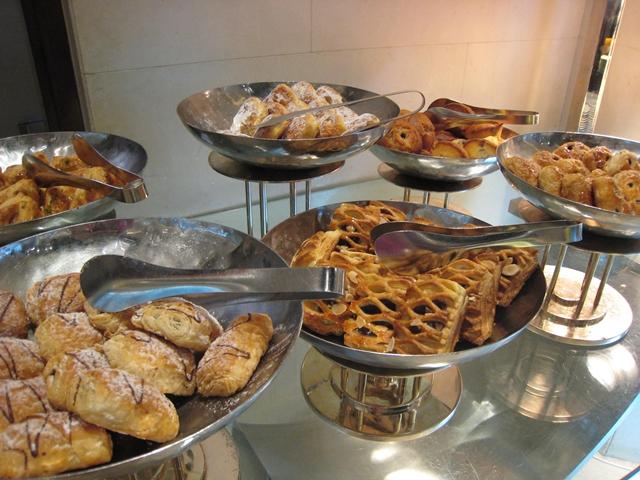 Langham Place Mongkok Review - Breakfast Pastries