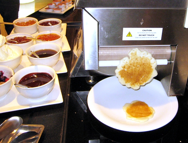 Langham Place Mongkok - Breakfast Buffet Pancake Machine