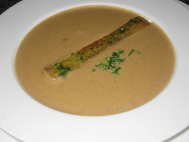 Review-Lufthansa First Class Lounge Munich - Chestnut Soup