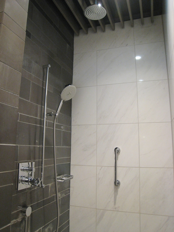 Review-Lufthansa Munich First Class Lounge - Shower