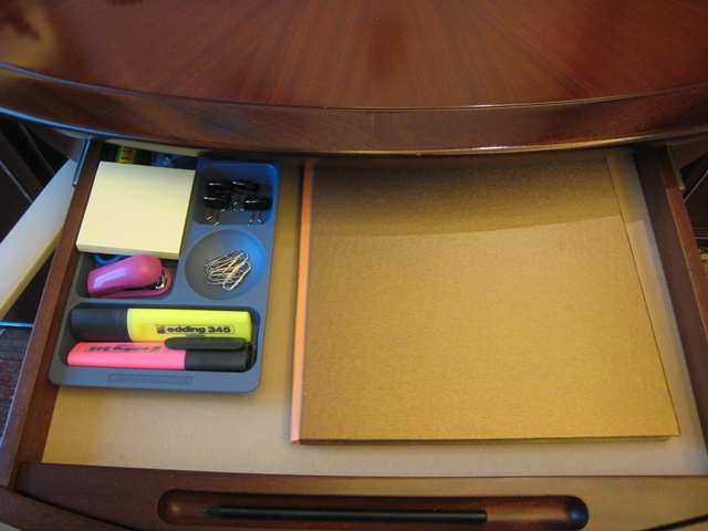 Lotte Hotel Moscow Review - Desk Office Supplies