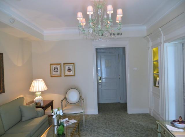 Four Seasons Paris Review - Four Seasons Suite Living Room