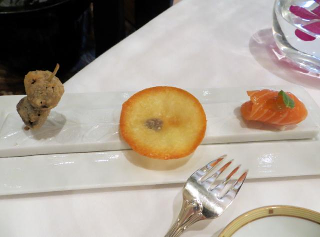 Le Cinq at Four Seasons Paris Restaurant Review - Amuse Bouche Presentation