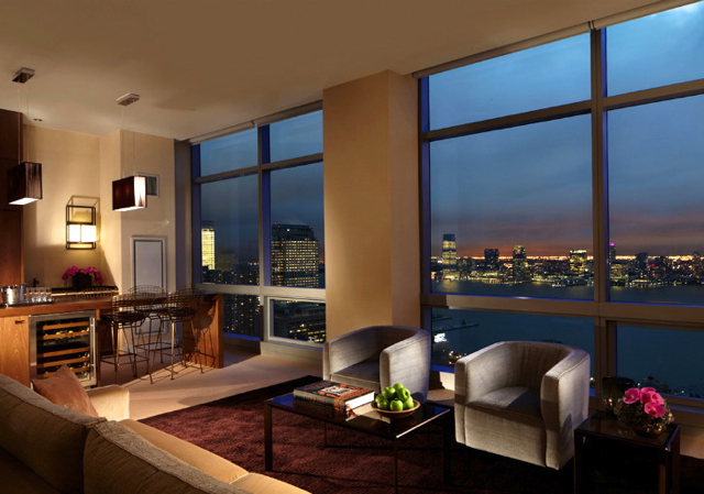 Valentine's Day 2014 Luxury Hotel Deals and Packages - Trump SoHo NYC