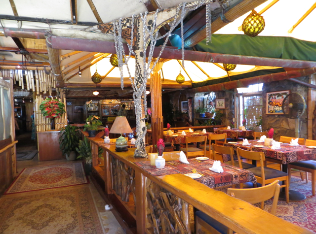 Mama 39 s fish house review in paia maui travelsort for Fish house maui