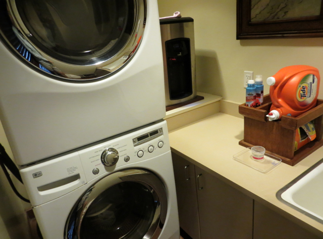 Four Seasons Hualalai Review - Washer and Dryer