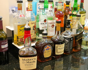 Featured_american_admirals_club_nyc_jfk_review-liquor