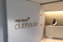 Square_review-virgin_atlantic_clubhouse_new_york_jfk_airport_lounge_sign
